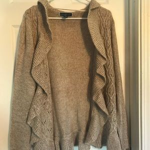 NWOT BEAUTIFUL CARDIGAN